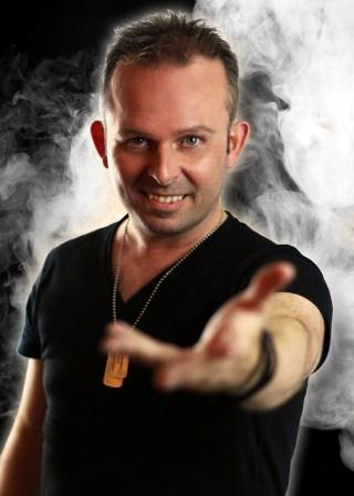 Andrew Green Master Illusionist and Magician