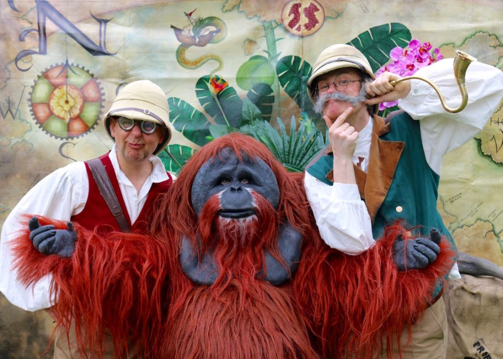 Gorilla & Hunters