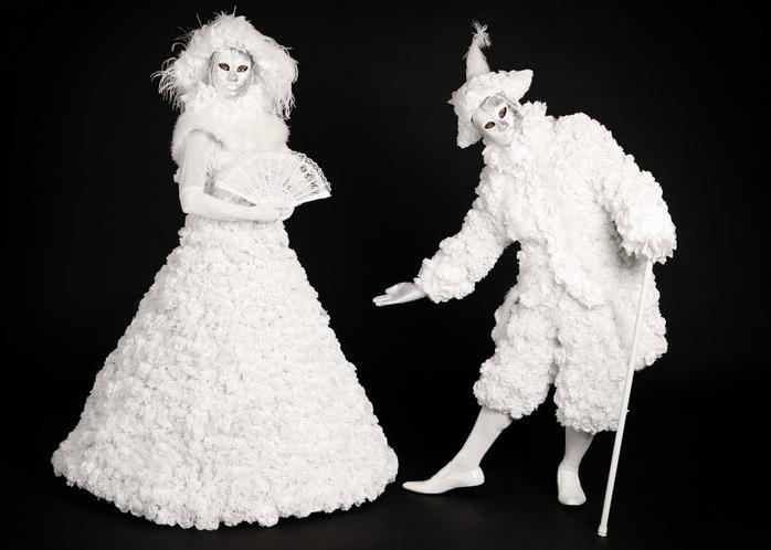 Winter Snow stilt walker by Dream Performance of London