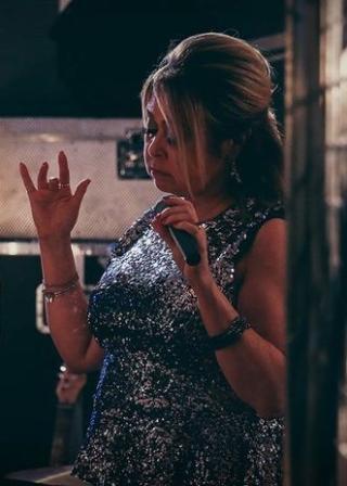Liza Baker Female Vocalist South Wales