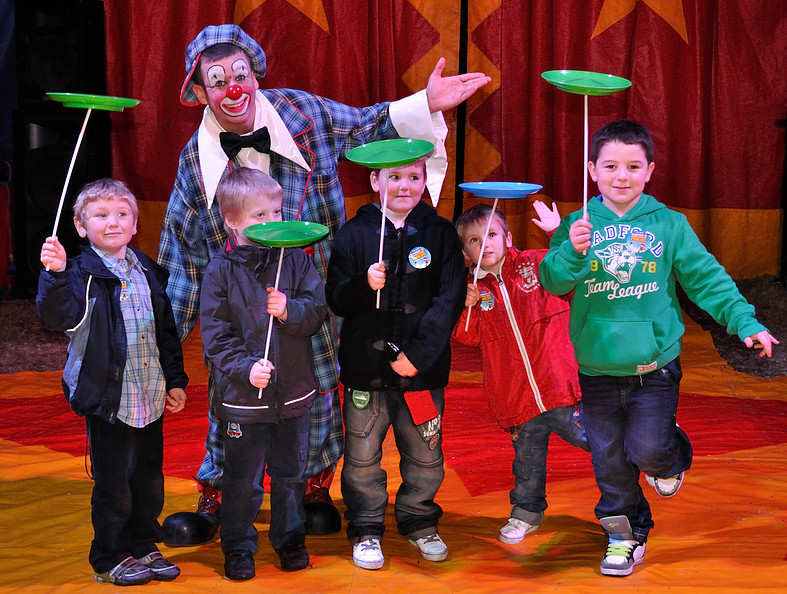 Lloyd Reed as Clumbsy the Clown Circus Workshops