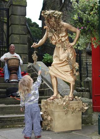 Golden statue, Living Statues, Human Statues, in Yorkshire