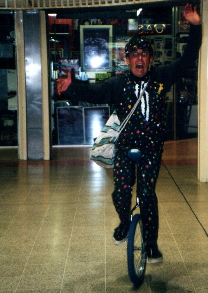 Unicyclist & Juggler Richard Gillet South Yorkshire
