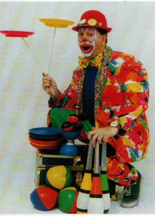 Ron Popple as Ronnie Crackers Plate spinner circus skilled performer from West Midlands