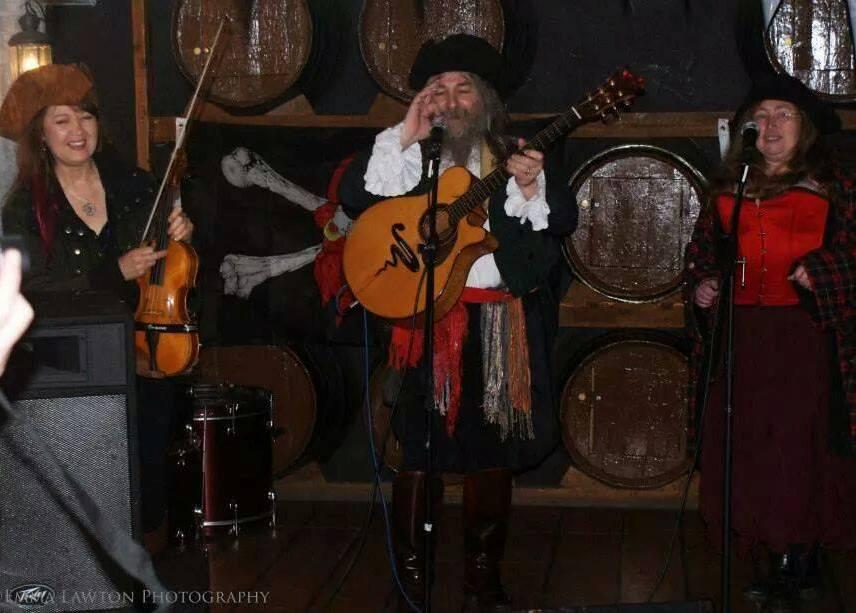 Stormcrow, Folk Musicians, Mandolin, Bouzouki, Djember, African Drum