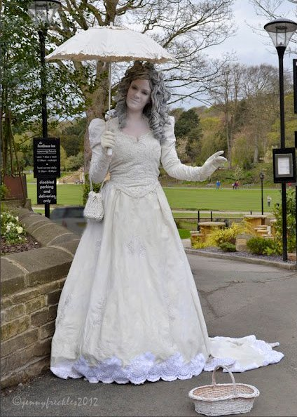 Victorian Lady in White Walkabout or Statue Vicky Armstrong Tyne & Wear